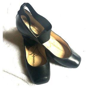 Black leather Jessica Simpson ballet flats